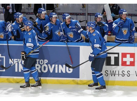 a0a935fcf SWE vs FIN - 2014 IIHF World Junior Championship - International Ice ...