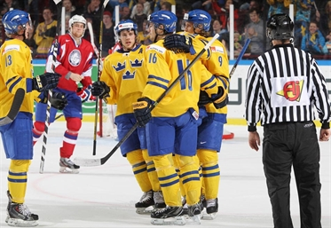 Sweden manhandles Norway
