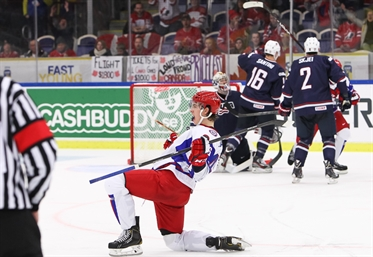 Russians rally for 5-3 win